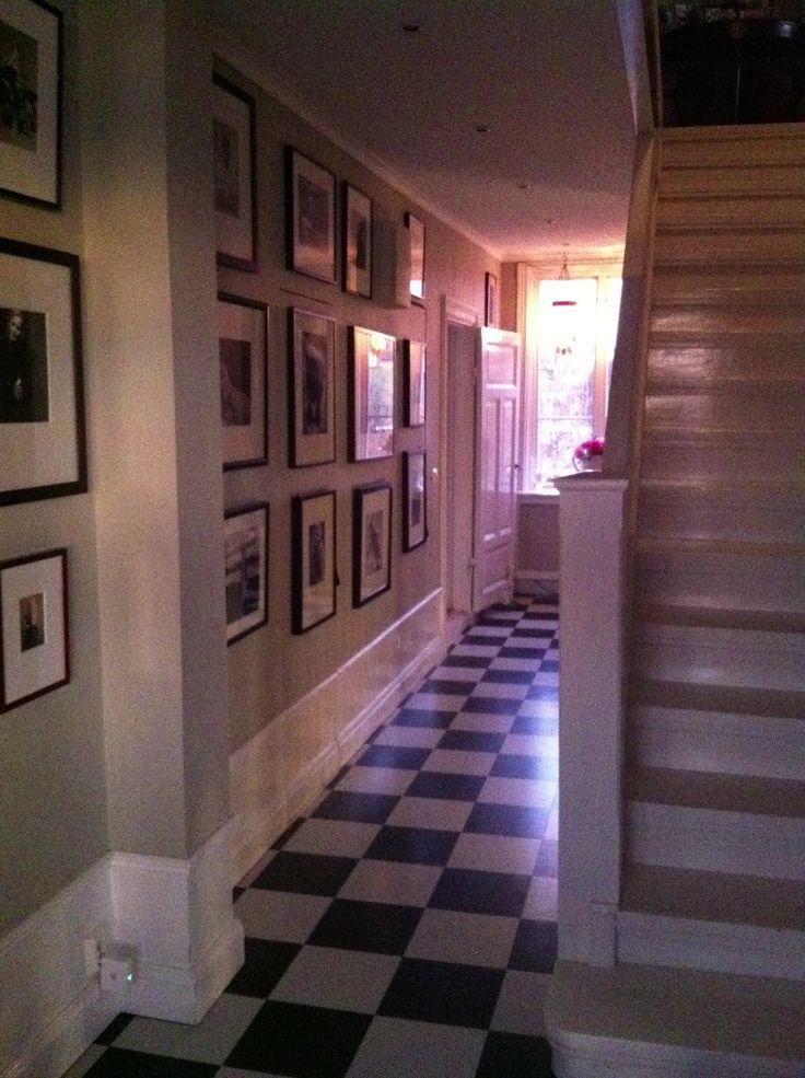Hallway.. http://www.esny.se/sv/object/view/strandvagen-17---djurgardsgatan-7-mariefred--425855