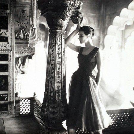 Anne Gunning photo Norman Parkinson . Vogue UK, December, 1956
