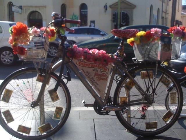Psychic Sarah Barry's Tarot Bike: Newtown Sydney  http://sarahthepsychic.com