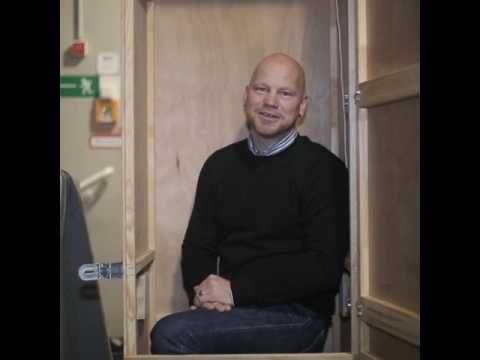 Gastspielbox Spezial // Mit Tourmanager Jens Schmidt  Jens Schmidt ist seit der Spielzeit 2012/13 der technische Tourmanager der Schaubühne. Er ist die Hälfte des Jahres für uns unterwegs.  From: Schaubühne Berlin  #Theaterkompass #TV #Video #Vorschau #Trailer #Theater #Theatre #Schauspiel #Clips #Trailershow