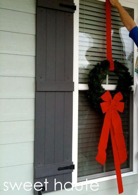 Outdoor Christmas Wreaths Tutorial {SWEET}