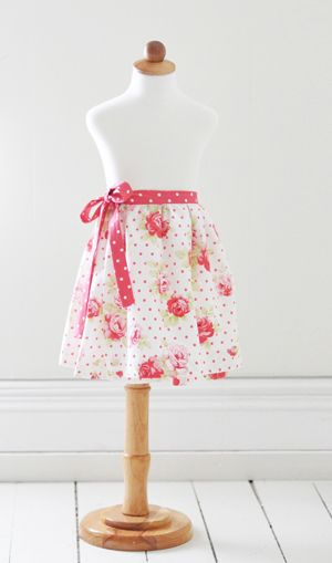 Tanya Whelen stops by with a Wrap Skirt tutorial featuring her latest Lulu Roses fabric...