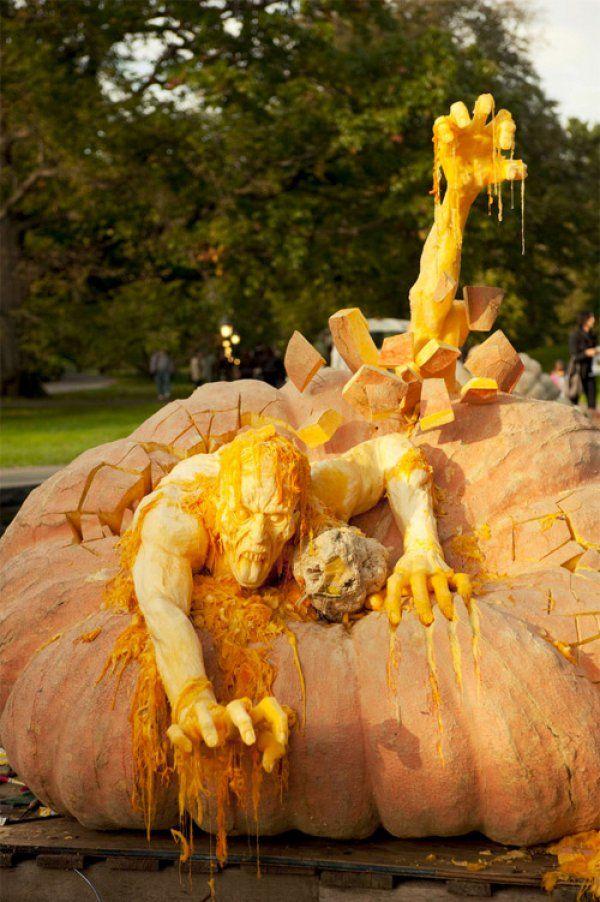 This is what you get when a regular zombie bites a pumpkin.Holiday, Pumpkin Art, Sculpture, Zombies Pumpkin, Halloween Pumpkins, Pumpkin Carvings, Ray Villafane, Carvings Pumpkin, Happy Halloween