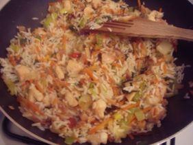 Rijst met kip en wokgroenten