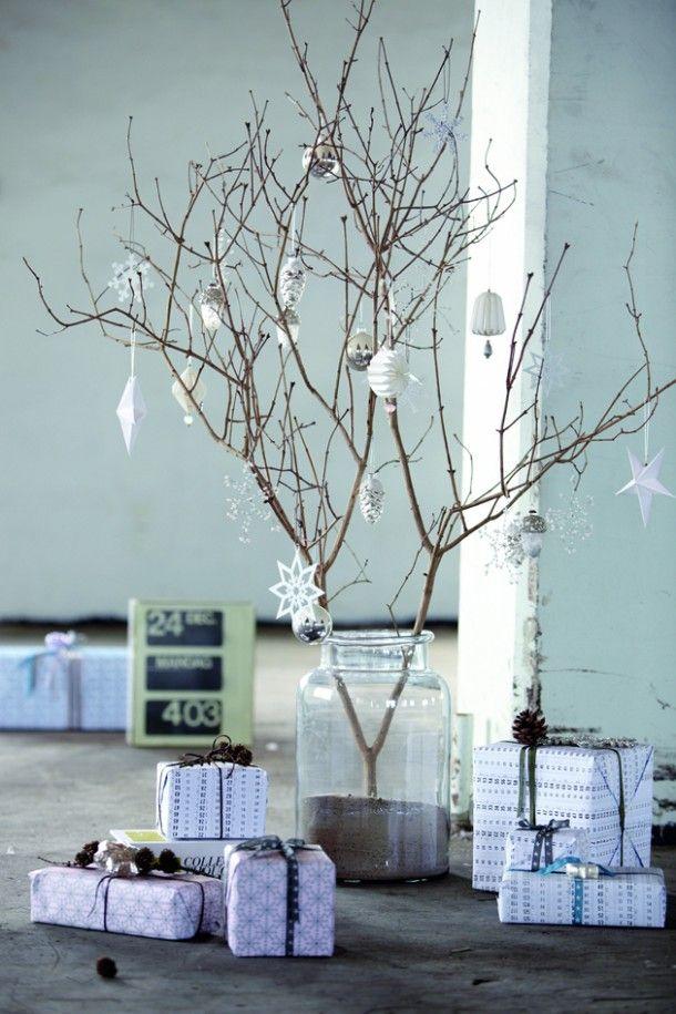 branch with christmas decoration - takken en House Doctor kerstversiering