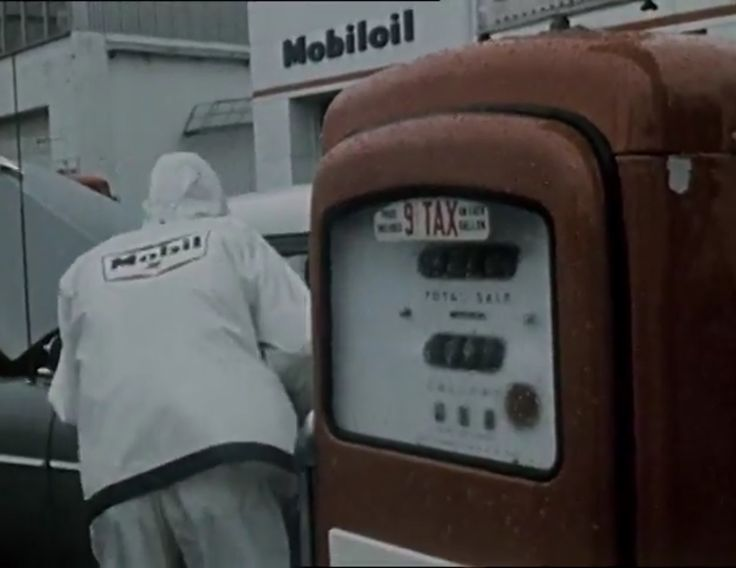 🎥 The Case of the Blurred Image (1960's) Manga Films for Weather-King Corporation Showing how vintage automobilia can be found in unusual places, this is a film advertising inclement-weather clothing to service stations in the 1960's and shows a lot of shots of a vintage Mobil station. https://youtu.be/dAyDNuBhyvU