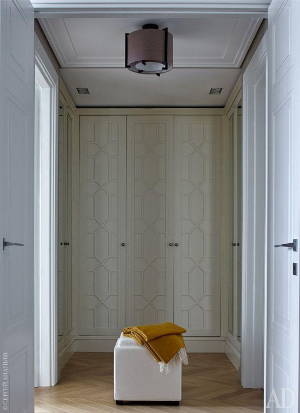 """фасады шкафа и пол Шкафы для гардеробной были изготовлены в столярной мастерской """"Антик Стайл"""""""