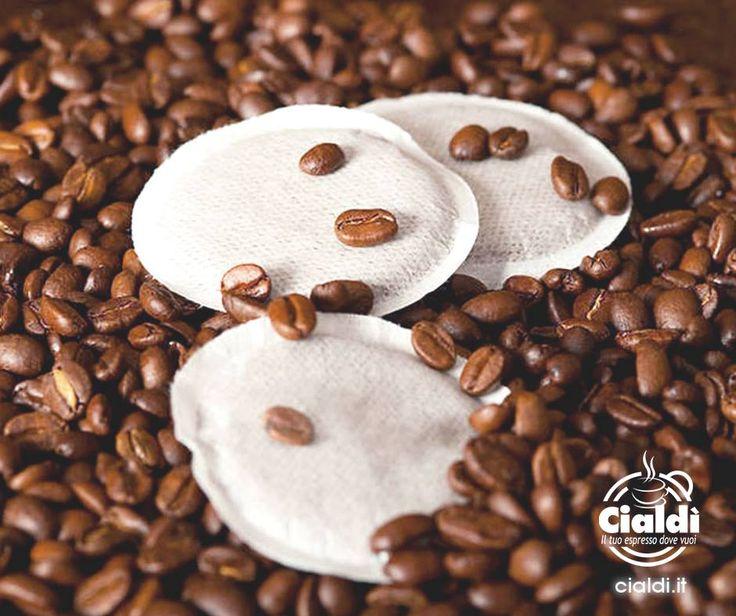 Oltre la capsula, la cialda è l'altra variante per gustare il nostro #caffè. Lo sapevi che la sua carta-filtro è completamente biodegradabile? #coffee   #relax   #smile   #nature