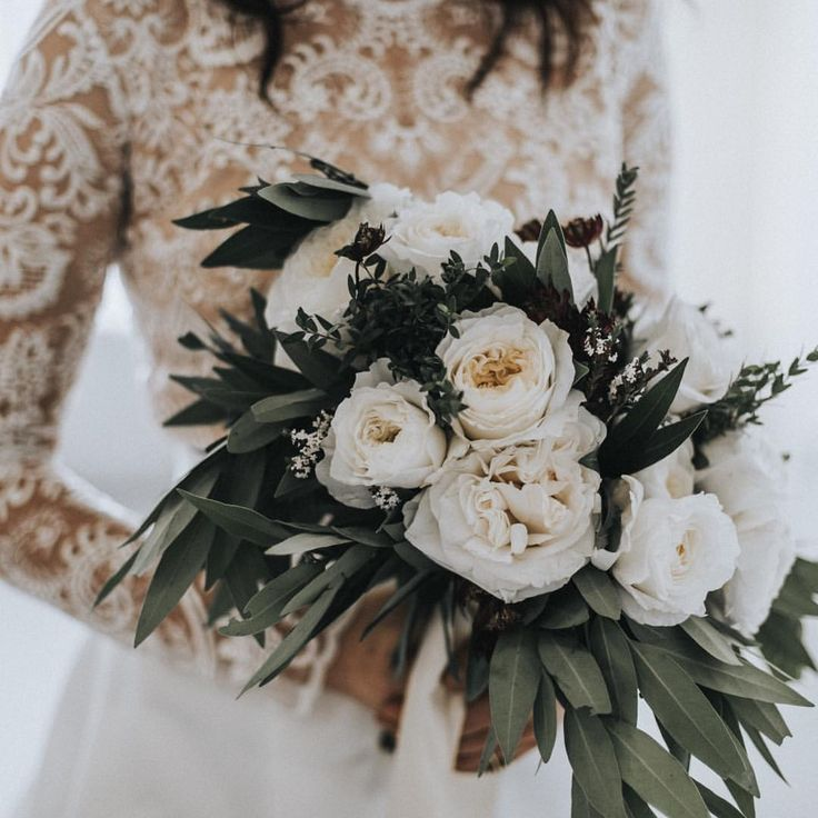 21 Breathtaking Flowers To Inspire Your Winter Wedding: Best 25+ Winter Wedding Flowers Ideas On Pinterest