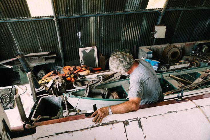 Portrait photo d'un gros dur au coeur tendre : Simon Evans, chef de chantier naval dans l'Yonne (Bourgogne) sur manarr.fr.