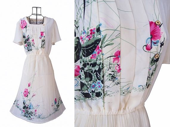 Vintage Dress // Pleated Skirt  Dress // Floral Dress // by LPSNUG