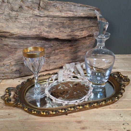 Σετ γάμου αποτελούμενο απόvintageοβάλ δίσκο με καθρέφτη σε χρυσό…