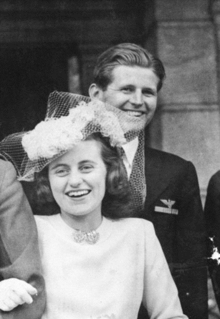 """Joe Kennedy Jr. and his newly wedded sister, Kathleen """"Kick"""" Kennedy Cavendish ✾❤✾❤❁❤❃❤❁❤❁❤❁❤❁❤✾  http://en.wikipedia.org/wiki/Kathleen_Cavendish,_Marchioness_of_Hartington  http://www.findagrave.com/cgi-bin/fg.cgi?page=gr&GRid=3491    http://en.wikipedia.org/wiki/Kennedy_family"""
