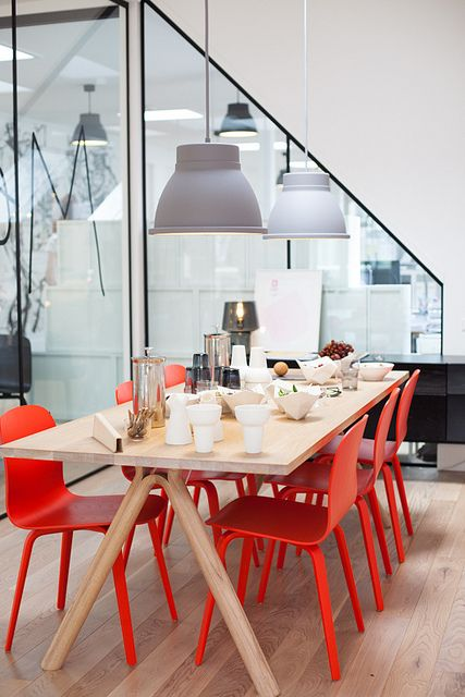Muuto showroom and head office space in Copenhagen: Dining Area, Home Ideas, Home Decor Ideas, Grey Home Decor, Dining Chairs, Red Chairs, Colour Palettes, Modern Interiors, Design Chaser