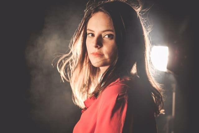 Francesca Michielin presenta il suo nuovo album alla Feltrinelli di Napoli a cura di Michela Lagnena - http://www.vivicasagiove.it/notizie/francesca-michielin-presenta-il-suo-nuovo-album-alla-feltrinelli-di-napoli/