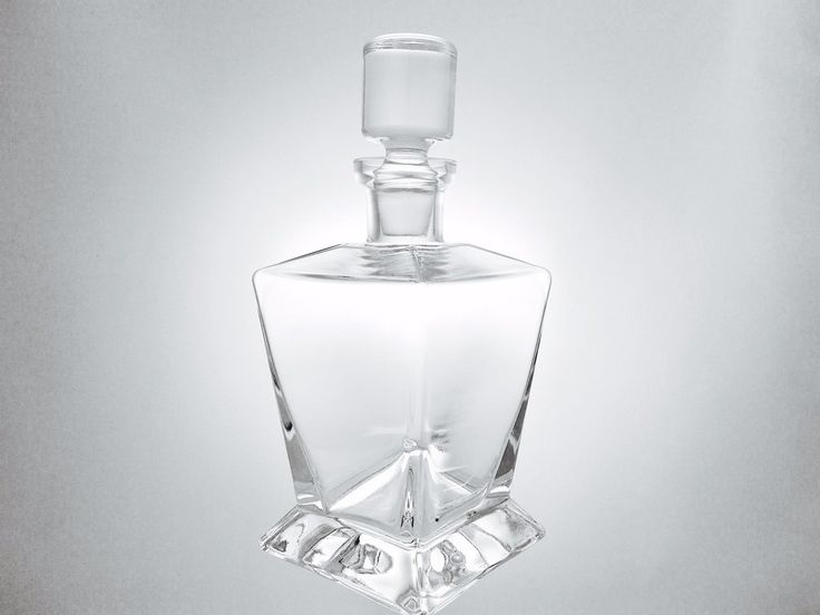 Service Traditionnel: Carafe à whisky.
