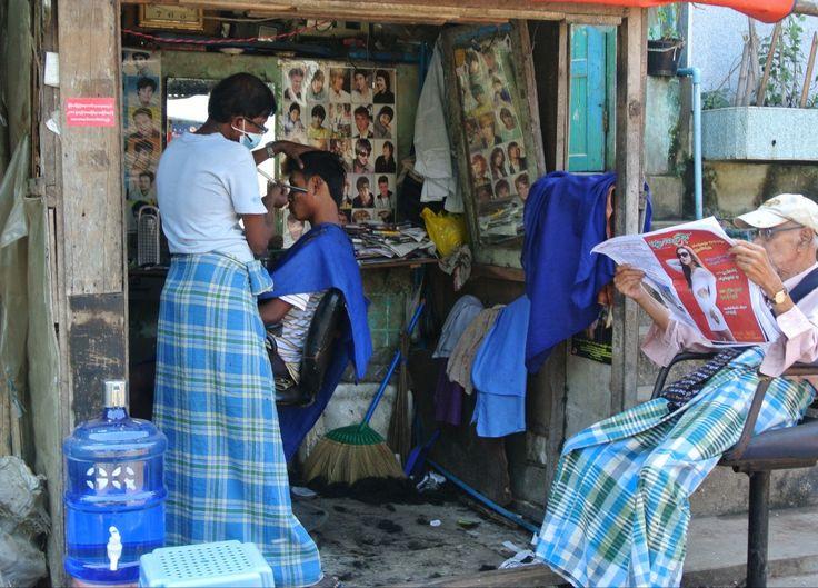 Mawlamyine ou Moulmein est considérée comme la 3ème ville du Myanmar, avec ses 500 000 habitants (dont ¾ de Môns et de nombreuses autres minorités ethniques birmanes, indiennes, chinoises, etc.)