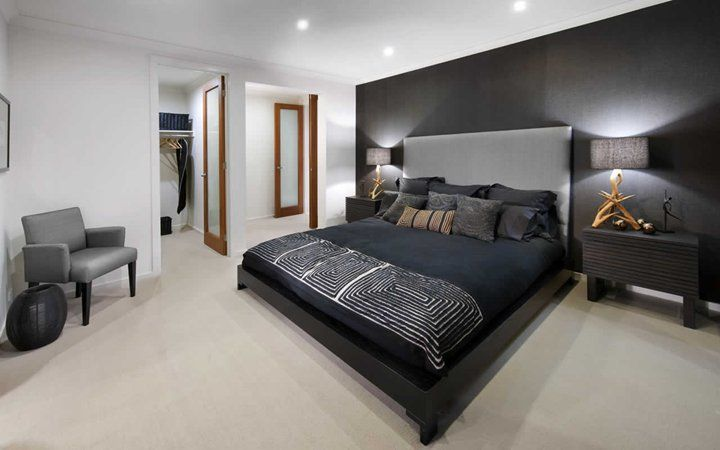 bedroom win closet