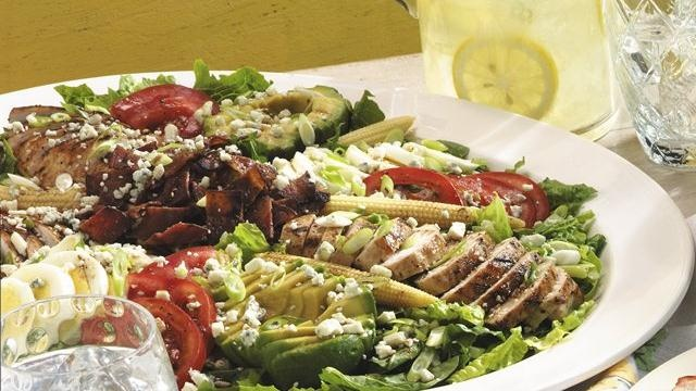 Grilled Cobb Salad: Amazing Recipes, Cheesy Salad, Cobb Salad, Dresses Layered, Chicken Layered, Grilled Cobb, Easy To Assembl Salad, Healthy Recipes, Buffalo Chicken