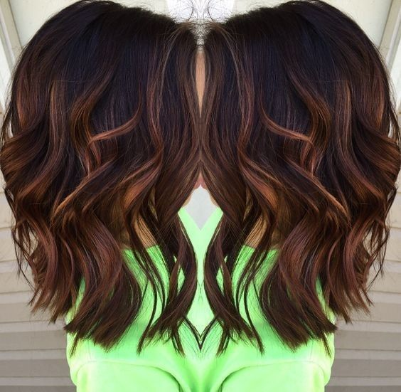 Blunt, Wavy Medium Hairstyles for Thick Hair 2017 - Caramel balayage highlights