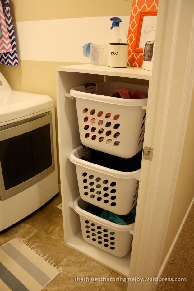 Handig voor het opbergen van de wasmanden en het sorteren van wasgoed