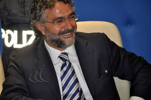 Sicilia: #Renato #Cortese nuovo #Questore di Palermo catturò il superlatitante Bernardo Provenzano (link: http://ift.tt/2kH10Hz )