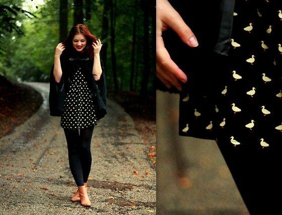 Bershka Poncho, Primark Dress, Vanharen Boots