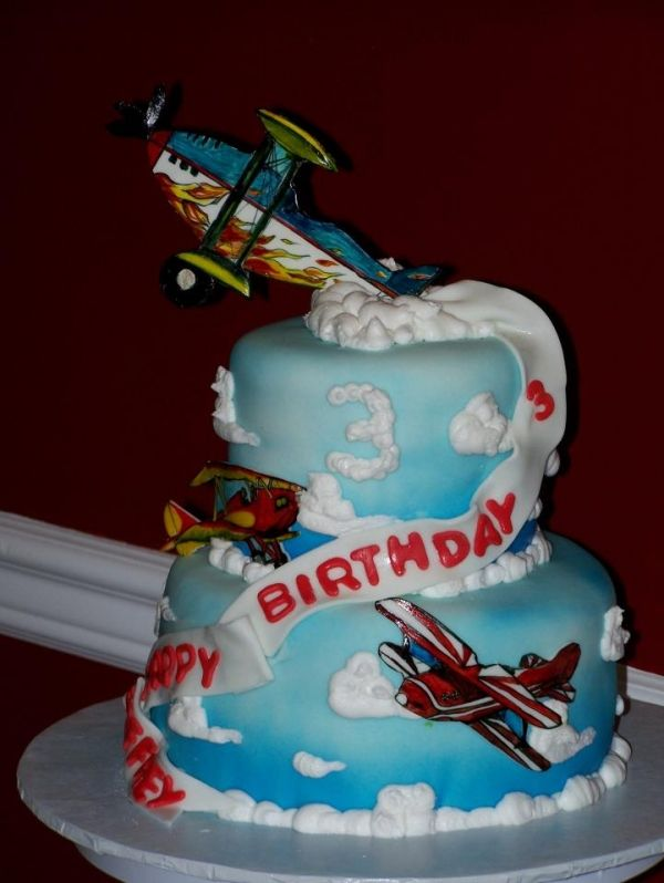 52 best images about cake airplanes examples on pinterest for Airplane cake decoration