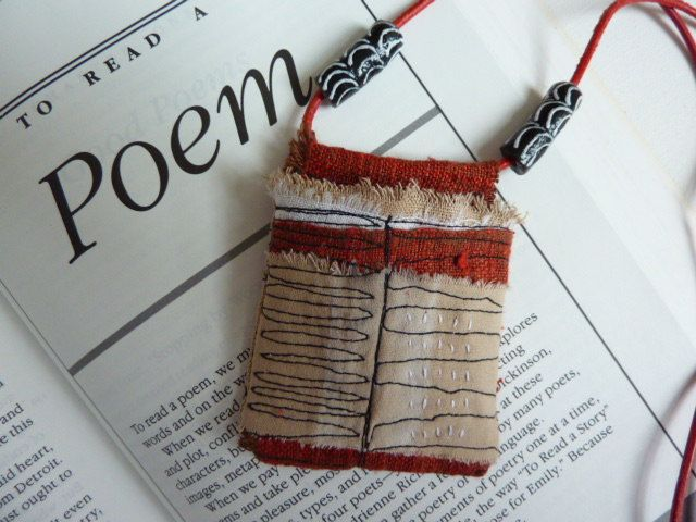 Poem pouch - a textile pendant necklace. € 38,00, via Etsy.