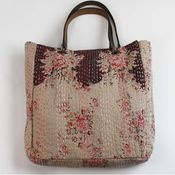 flowered bagHands Quilt, All Quilt, Sac Treill, Flower Bags, Pm Cabas, Tapestries Totes, French Bags, Quilt Bags, Hands Bags