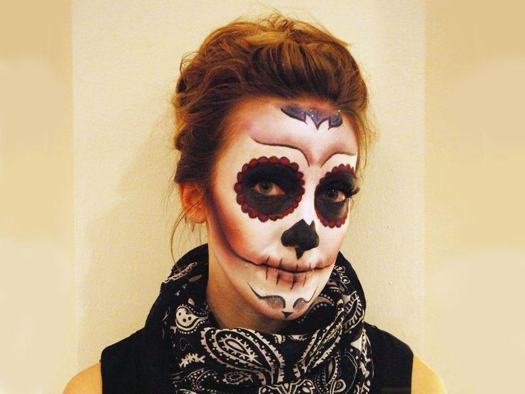 Mexikanische Totenmaske schminken