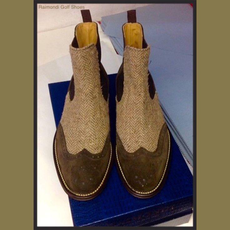 Raimondi Walking Shoes.. linea passeggio.. Beatles suede e tweed  #raimondigolfshoes #golfshoes #italiangolfshoes #madeinitaly #handmadeinitaly #italianstyle #walkingshoes #man #woman #italy