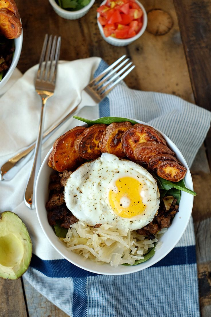 Taco Breakfast Bowl #healthy #recipes http://greatist.com/health/healthy-single-serving-meals
