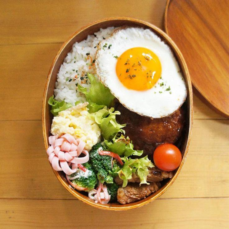 いいね!98件、コメント1件 ― こむぎこさん(@komugiko322)のInstagramアカウント: 「. . 今日のお弁当はほとんど見えないけどハンバーグメイン☺隠れちゃった〜 . 目玉焼きはフライパンからとるときに黄身が崩れてべちょーー♀️ 時間もあったので作り直してこれは2個目笑…」