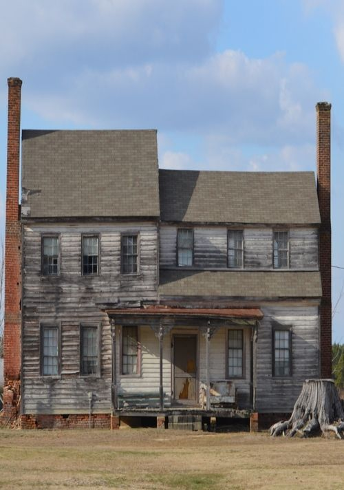 Old Farm House.. would love to fix up Micoley's picks for #AbandonedProperties www.Micoley.com