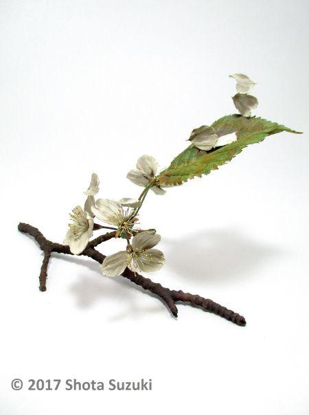 金属で作ったとは思えない…風に舞う桜やタンポポの綿毛を繊細に表現した造形作家・鈴木祥太さんの作品が美しい | Pouch[ポーチ]