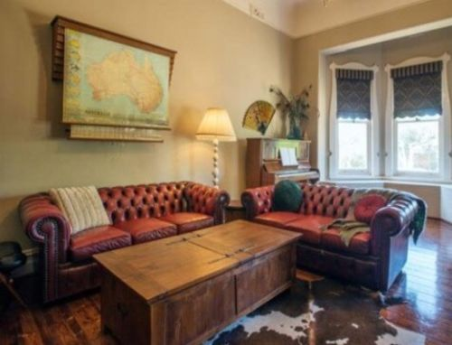 Classic-Beautiful-Vintage-Moran-Antique-Red-Leather-Chesterfield-Couches-Lounge