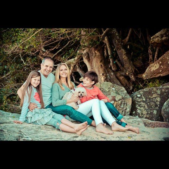 The sun is shining for family photos on the beach #gmphotographics #familyphotossydney #familyphotographers