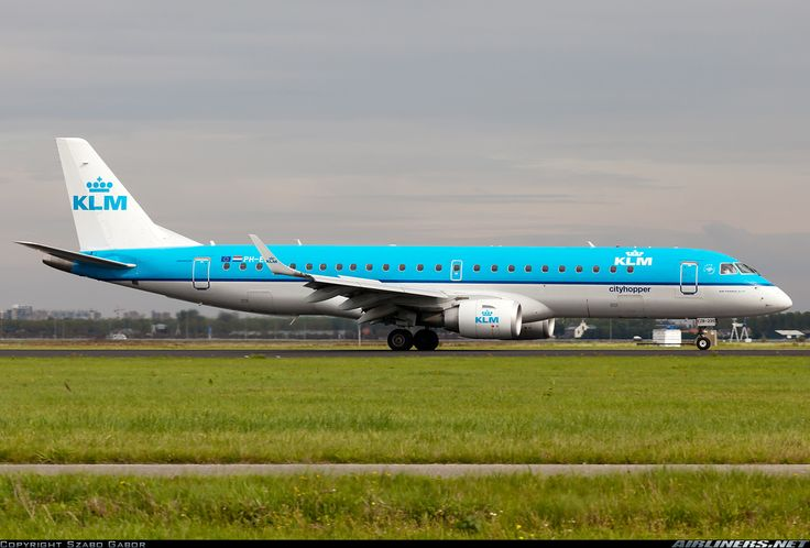 Embraer ERJ-190STD, KLM Cityhopper, PH-EZB, cn 19000235, KLM Cityhopper delivered 16.12.2008. His last flight 1.5.2016 Florence - Amsterdam. Foto: Amsterdam, Netherlands, 4.9.2011.