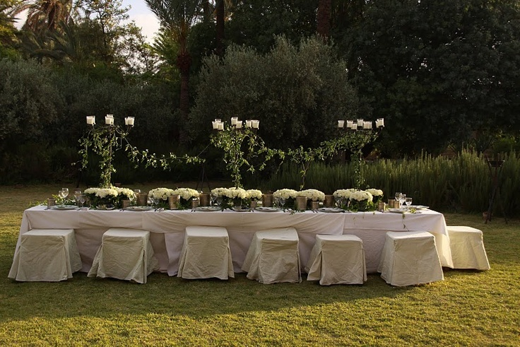 I just LOVE long tables at the moment... photo by virginiefaucher.com