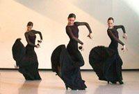 El Ballet Nacional de España bailando con castañuelas.