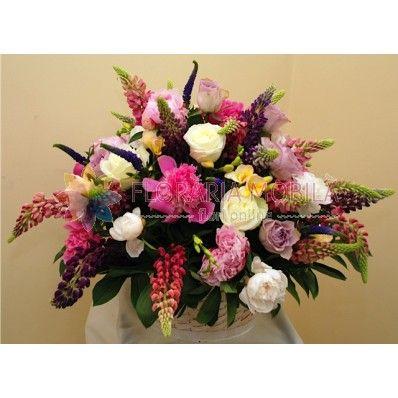 peonies & roses basket / cos cu bujori si trandafiri