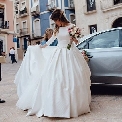 "3,054 curtidas, 39 comentários - Ruben Hernandez Costura (@rubenhernandezcostura_) no Instagram: ""Fany..preciosa imagen de Kiwo estudio ...❤️❤️❤️love Kiwo ❤️❤️❤️#fashiondress #costura #bodas…"""