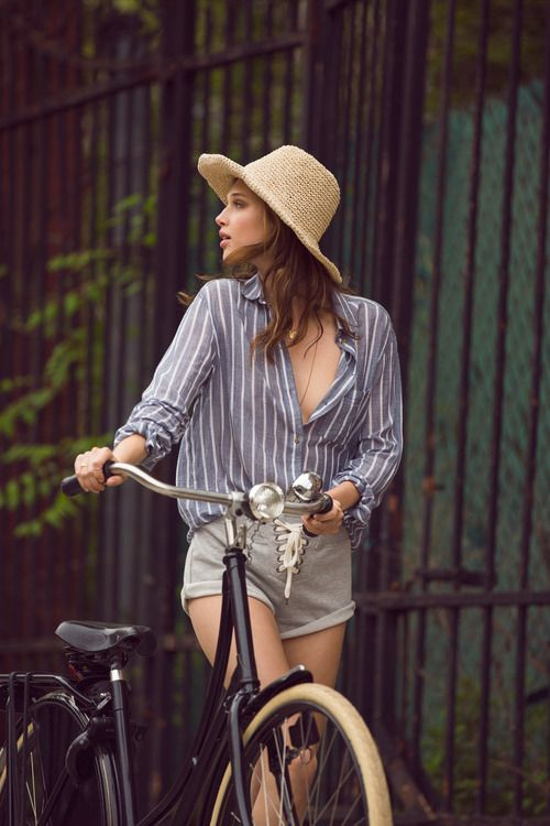Linen shirts are perfect for cycling.