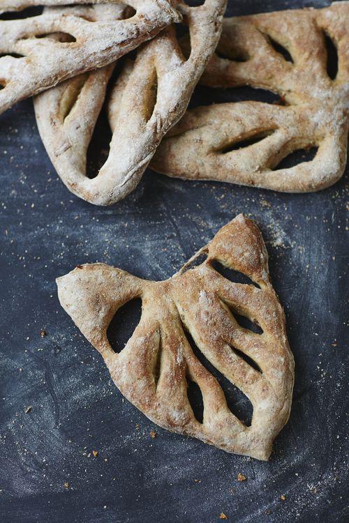 rosemary and onion fougasse bread - bread recipe