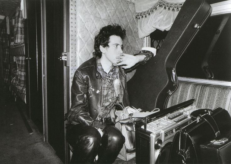 Mick Jones photographed by Bob Gruen, 1979