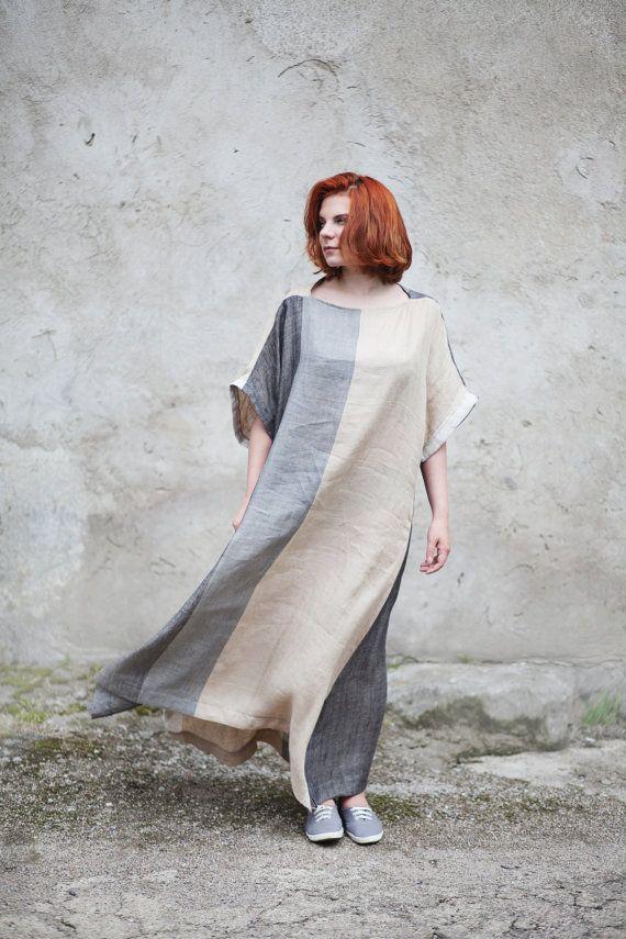Leinen-Kimono Kleid   Diese Leinenkleid ist perfekt für den Sommer. Es wird nach jeder Wäsche weicher.   Passend für die Größen L - XL-  Bei der flachen Maßnahmen diese Tunika:  Büste: 148 cm/58,3  Taille: 126 cm/49,6  Hüfte: 130 cm/51    Fotos sind auf L Größe Mädchen getroffen.