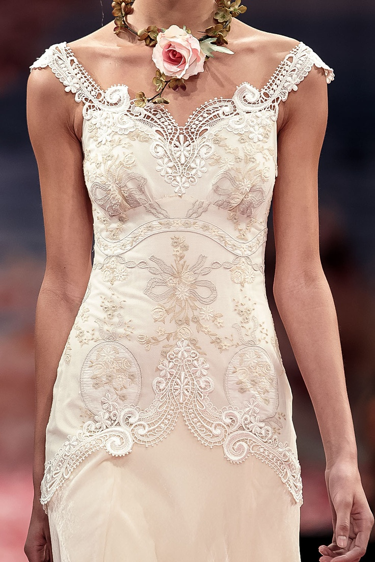 Claire pettibone 39 thalia 39 wedding gown wedding gowns for Wedding dress claire pettibone