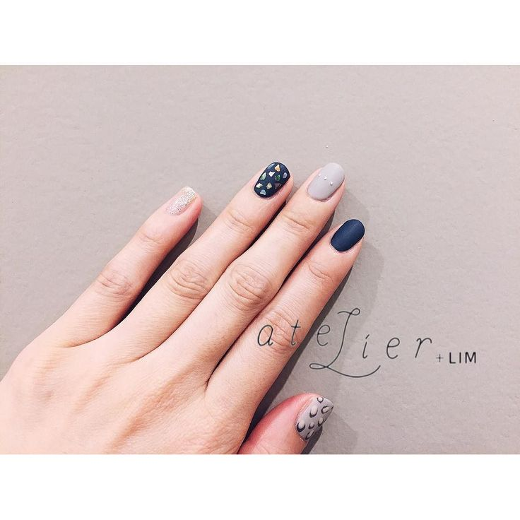 designed by 門原 @meikadohara_ . レオパードは優しいグレーで仕上げたい . #atelierlim #nail #eyelash #LIM #門原 #アトリエ #アトリエリム #リム #ショートネイル #ネイル #ジェルネイル #biiq #osaka by atelierlim