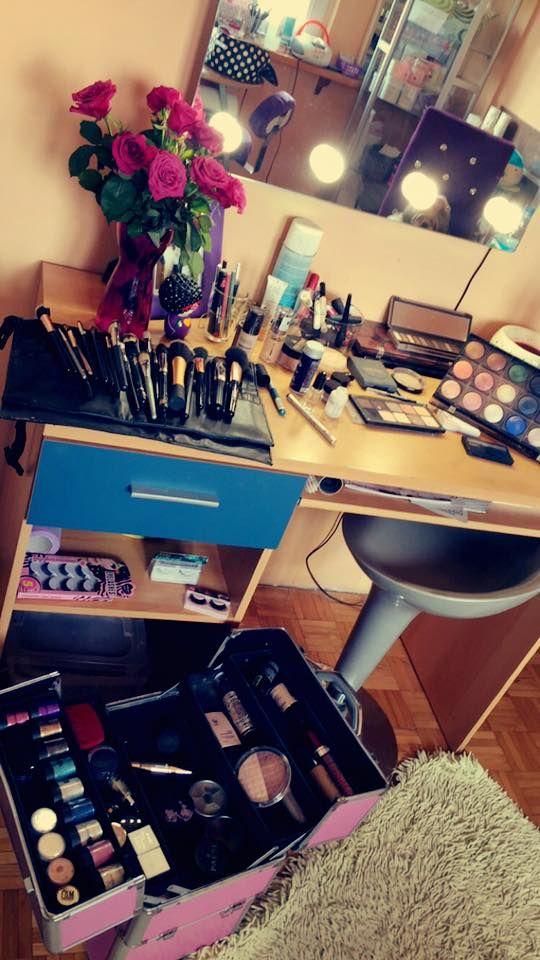 Profesjonalne lustro do makijażu z oświetleniem model GLAMOUR GL-02